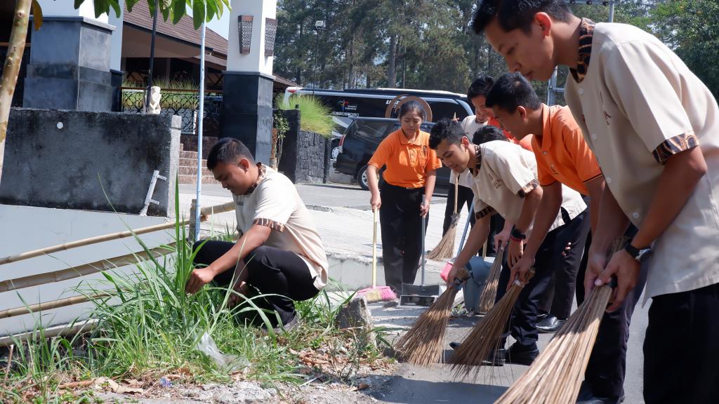 Pemuda Nava Gelar Aksi Bersih Lingkungan dalam Peringati Hari Sumpah Pemuda !