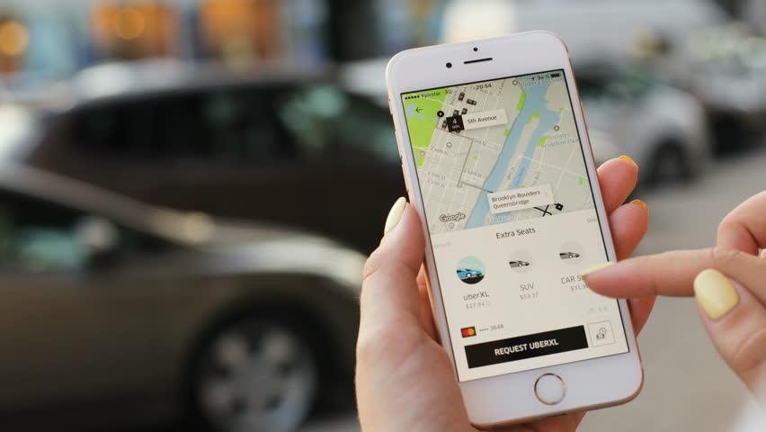 Aplikasi gratis yang WAJIB dimiliki Traveler !